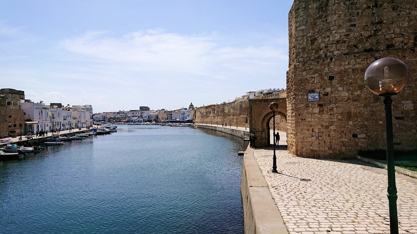 チュニジア:ビゼルトの街のカスバで3