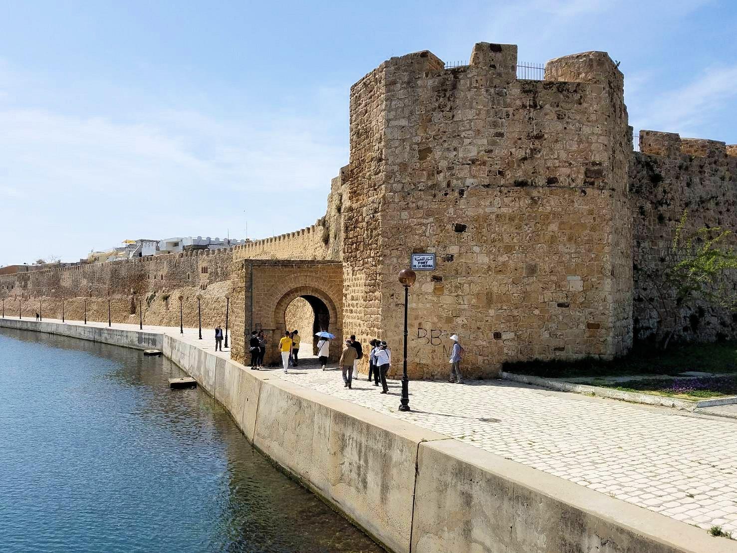 チュニジア:ビゼルトの街のカスバで6
