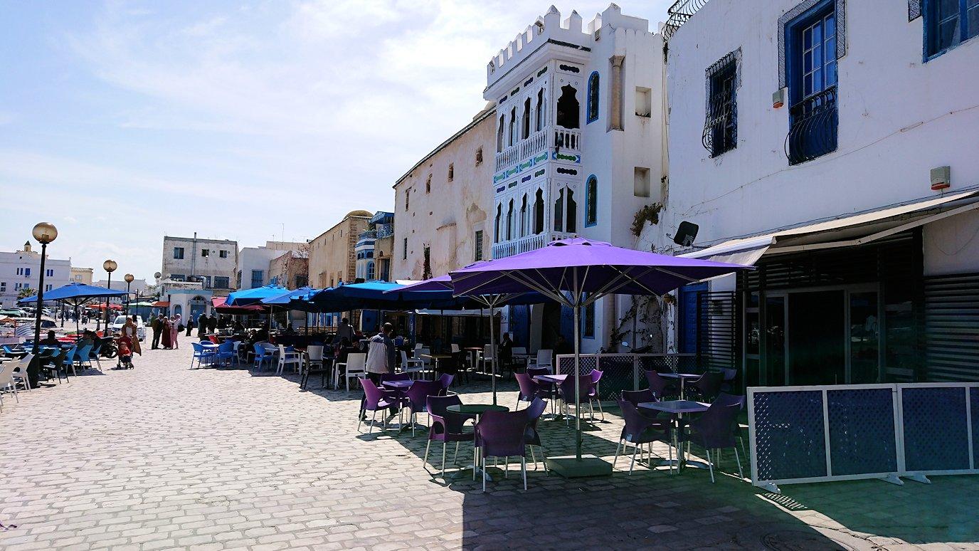 チュニジア:ビゼルトの街で旧港付近を散策