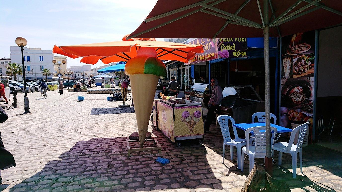 チュニジア:ビゼルトの街で旧港付近を散策5