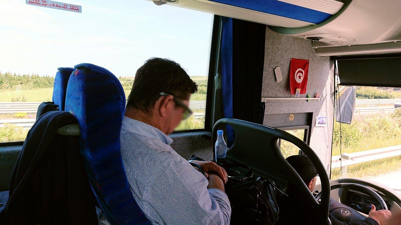 チュニジア:ビゼルトからシディ・ブ・サイドに向かう道中の景色