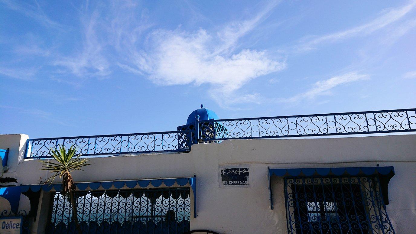 チュニジア:シディ・ブ・サイドの街を進んで絶景ポイントで写真撮影に夢中3