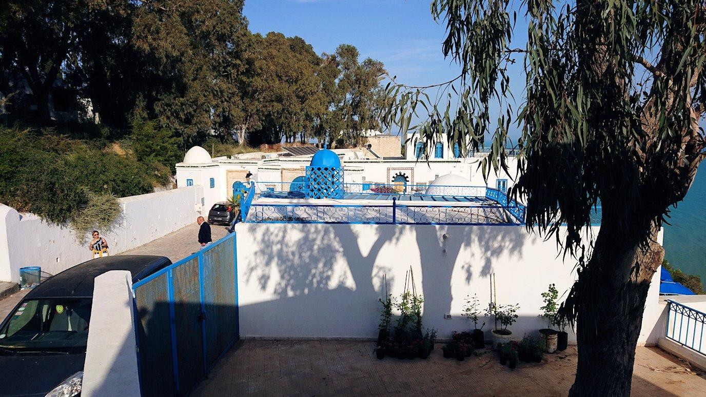 チュニジア:シディ・ブ・サイドの街を進んで絶景ポイントで写真撮影に夢中8