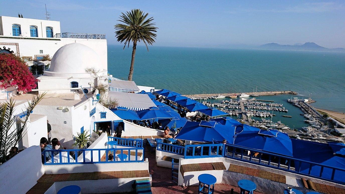 チュニジア:シディ・ブ・サイドで絶景のカフェにて9