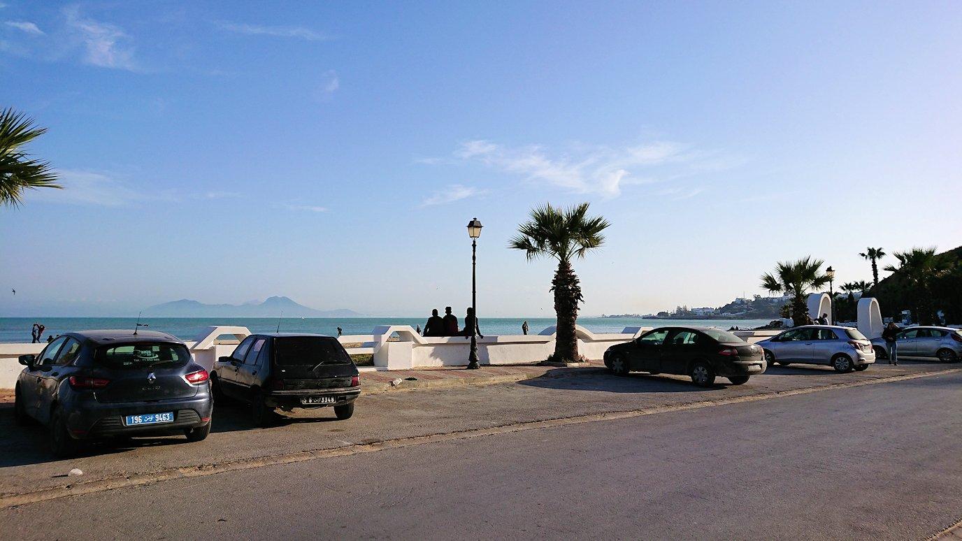 チュニジア:シディ・ブ・サイドで海岸に降りた場所で1