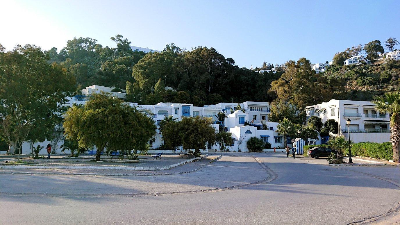 チュニジア:シディ・ブ・サイドで海岸に降りた場所で9
