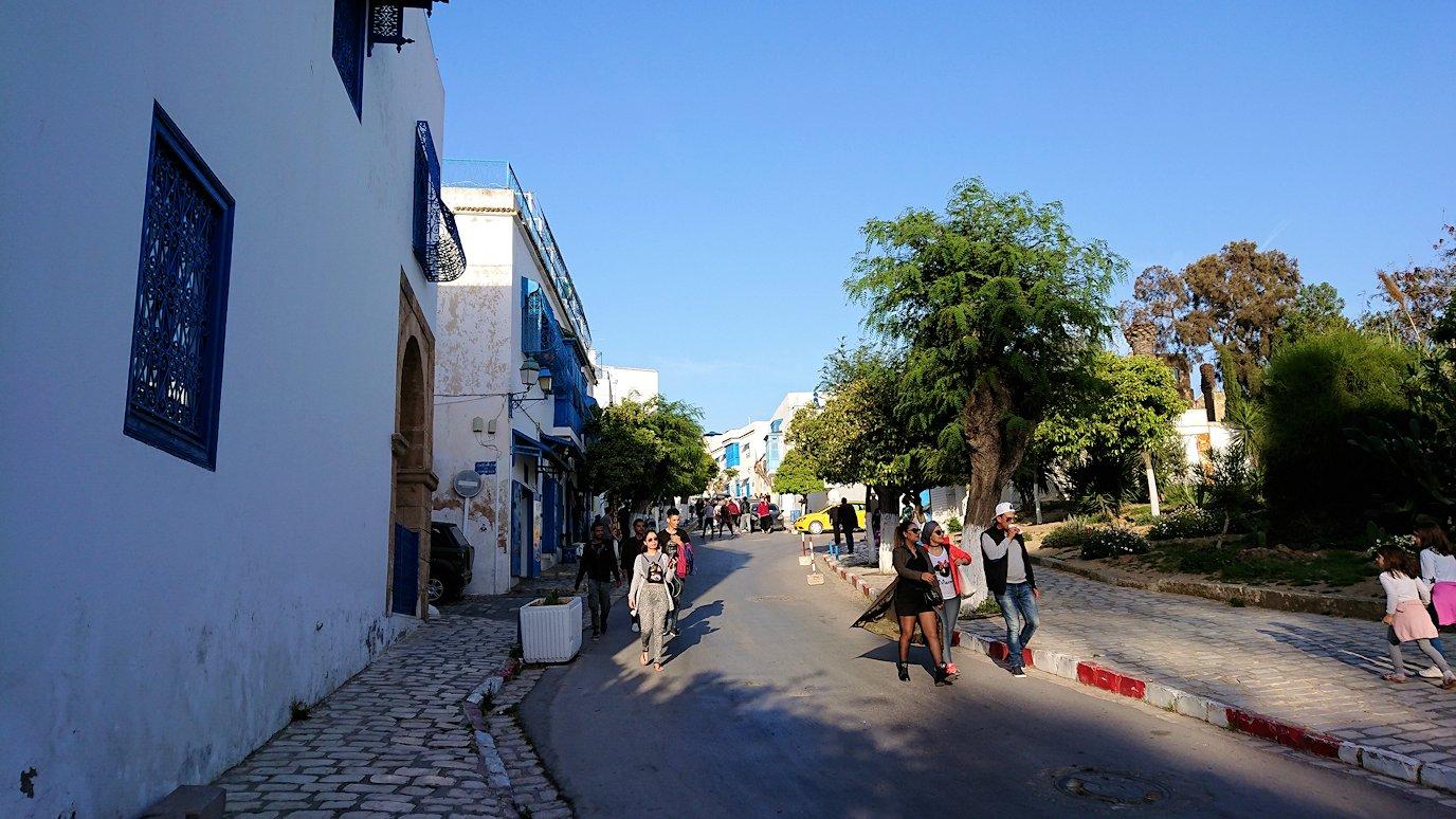 チュニジア:シディ・ブ・サイドで最後まで散策してみる1