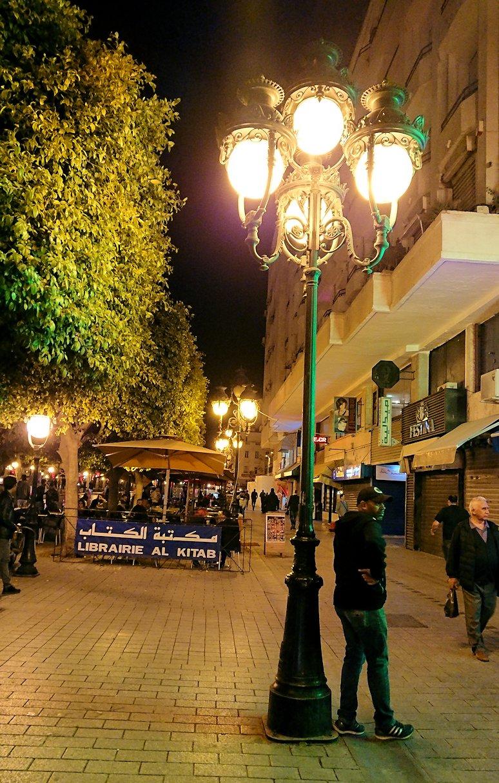チュニジア:チュニスの夜を散策する3