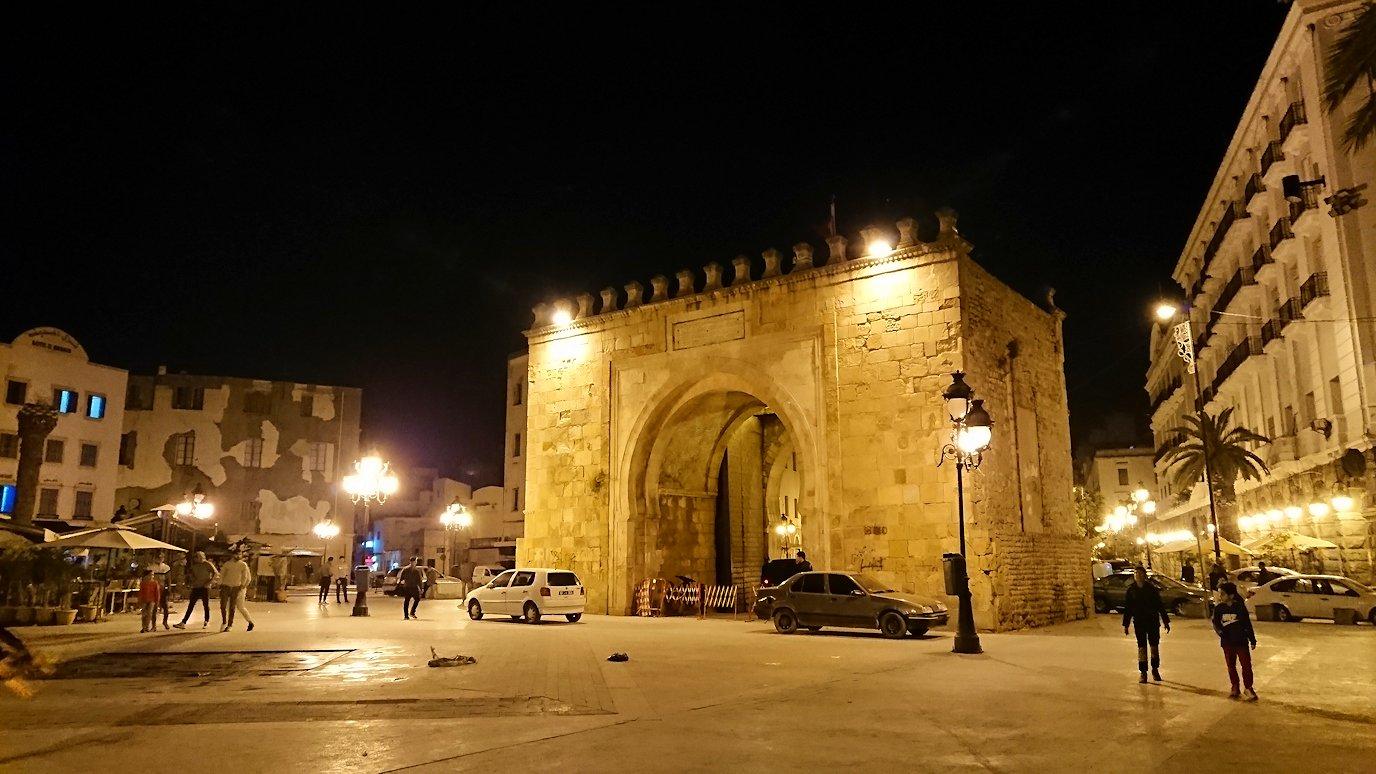 チュニジア:チュニスの夜を散策する8