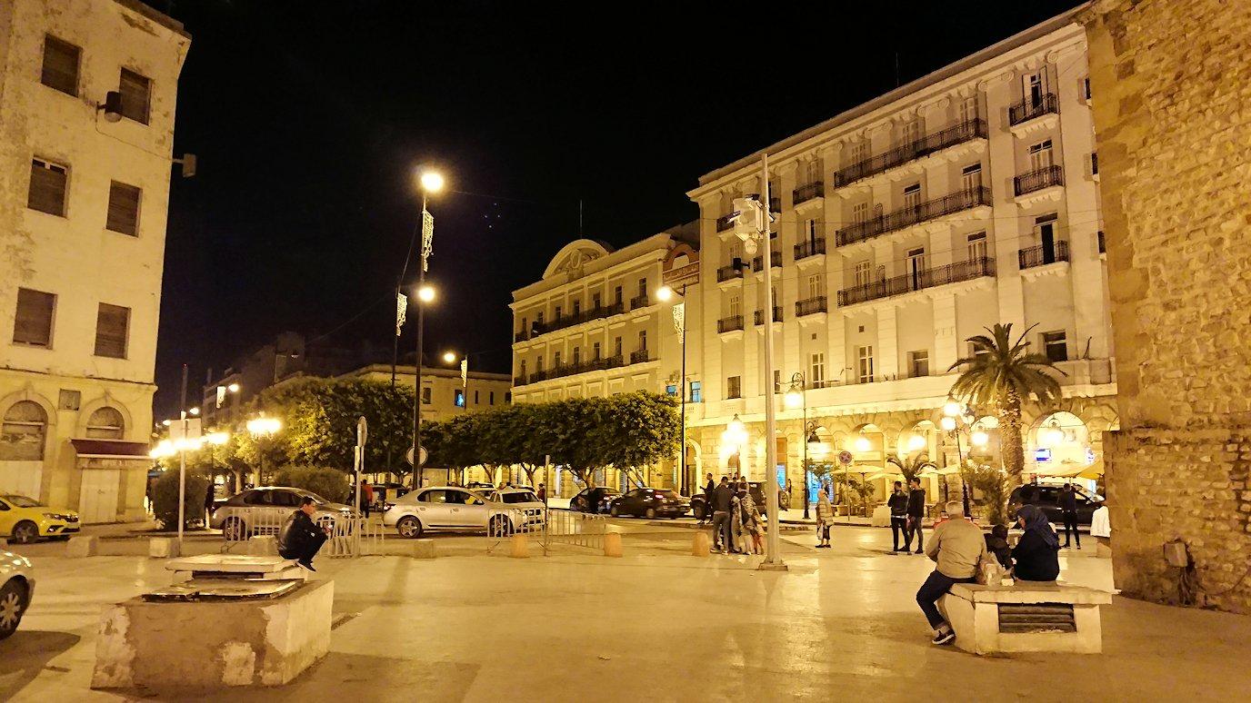 チュニジア:チュニスの夜を散策する11