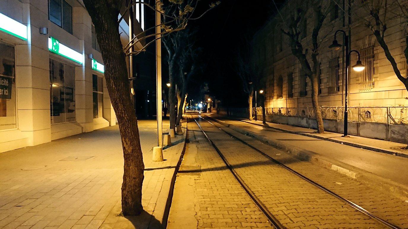 チュニジア:チュニスの夜を散策しスーパーに立ち寄る3