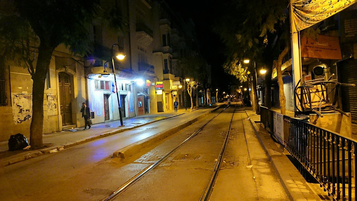 チュニジア:チュニスの夜を散策しスーパーに立ち寄る9