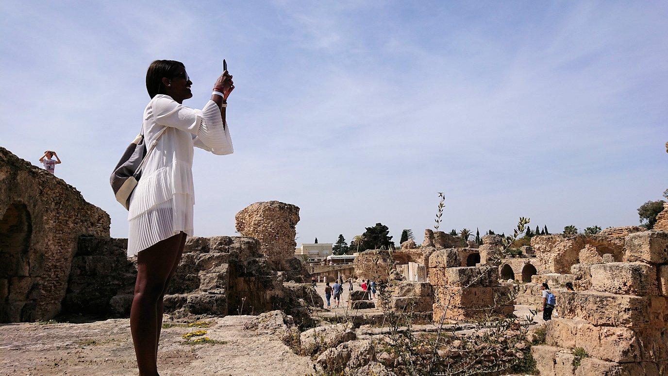 チュニジア:カルタゴ遺跡のアントニヌスの共同浴場内の散策は続く3