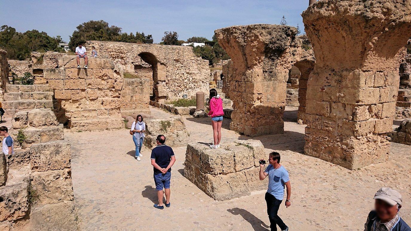 チュニジア:カルタゴ遺跡のアントニヌスの共同浴場内の散策は続く5