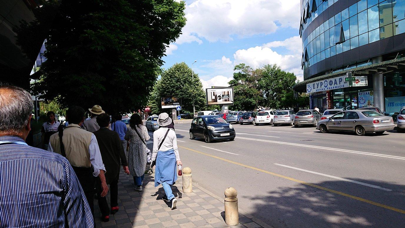 北マケドニアのスコピエ市内でバスに乗って移動6