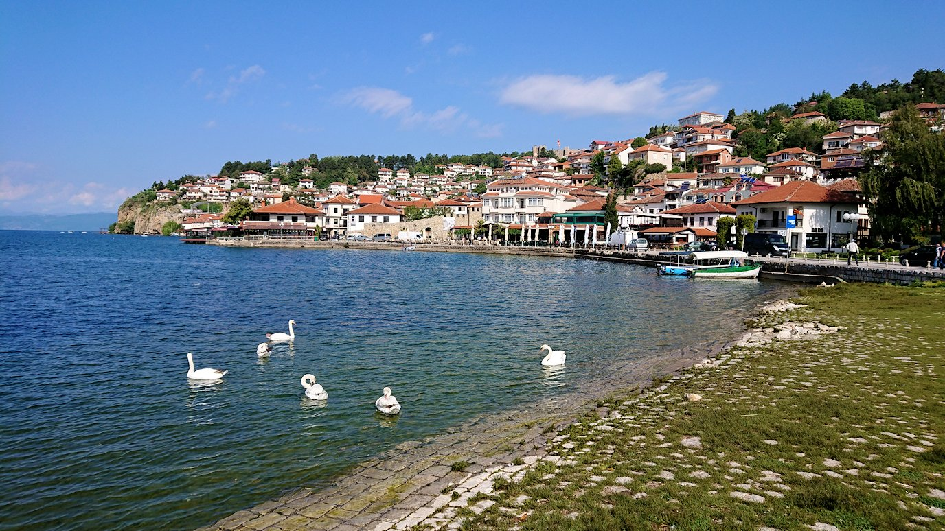 北マケドニアのオフリド湖遊覧終了しオフリドの街に上陸5
