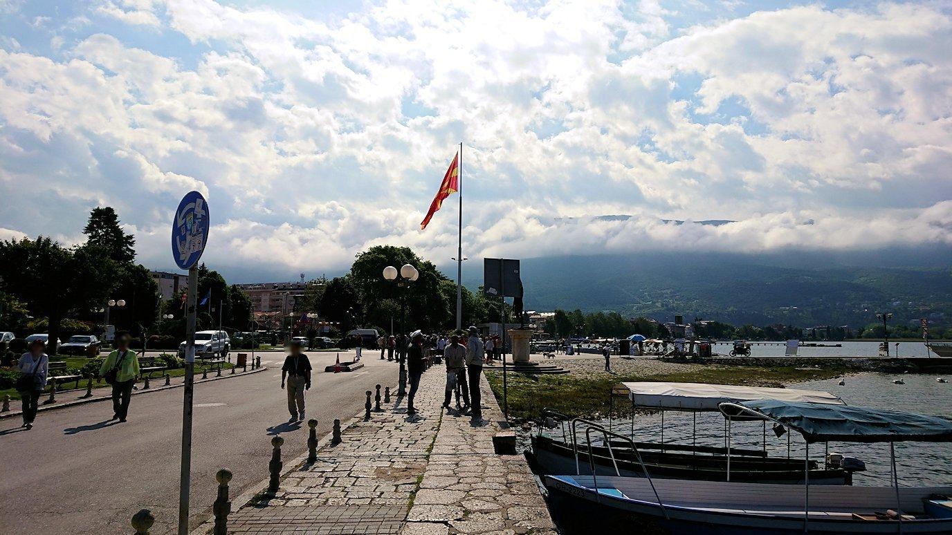 北マケドニアのオフリド湖遊覧終了しオフリドの街を歩いていきます