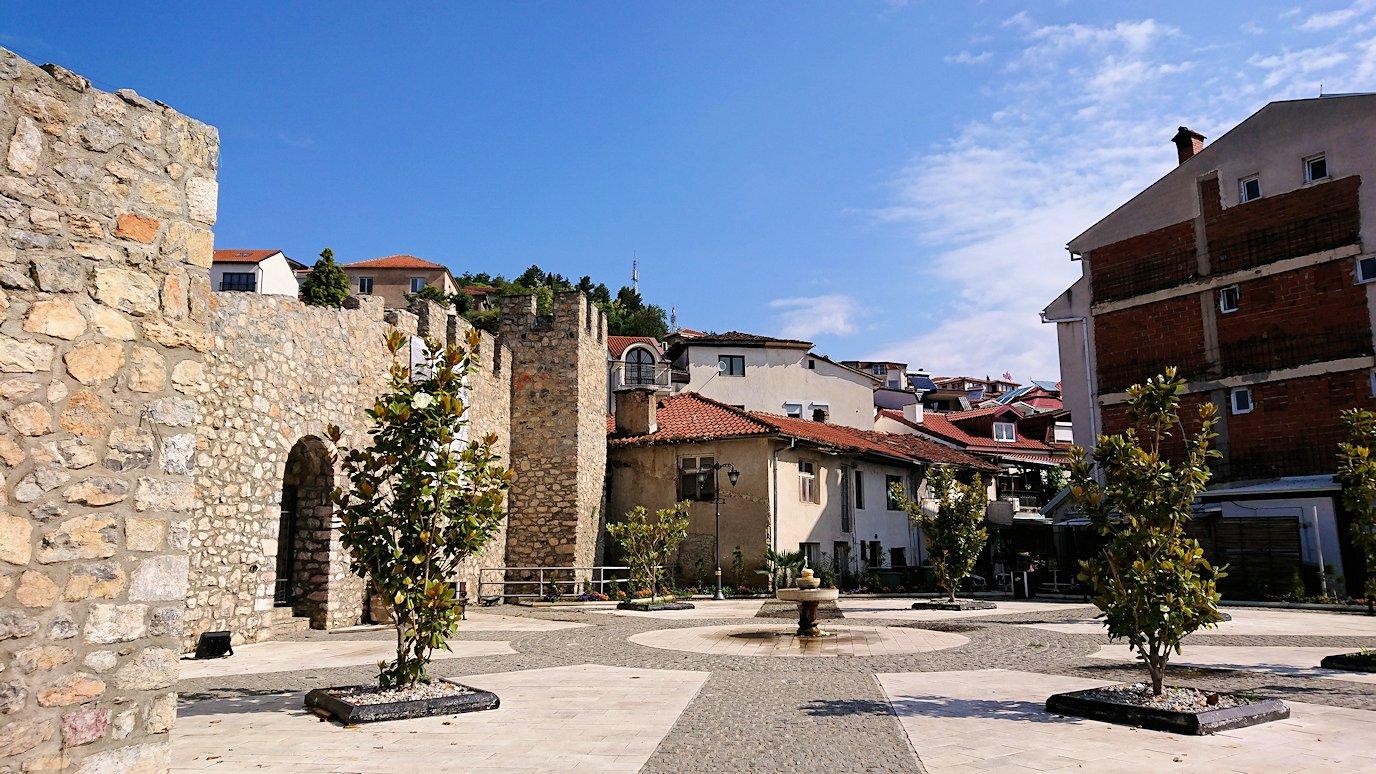 北マケドニアのオフリド湖遊覧終了しオフリドの街を歩いていきます8
