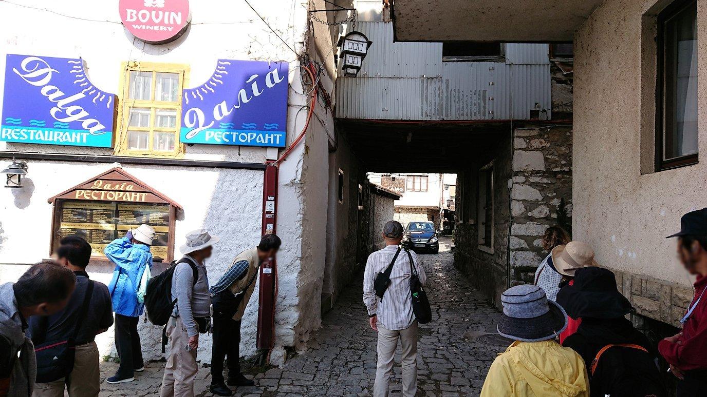北マケドニアのオフリド湖遊覧終了しオフリドの街を進んで行きます3
