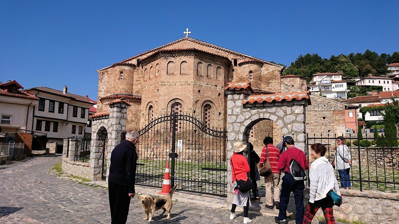 北マケドニアのオフリド湖遊覧終了しオフリドの街を歩いて聖ソフィア教会を目指す8