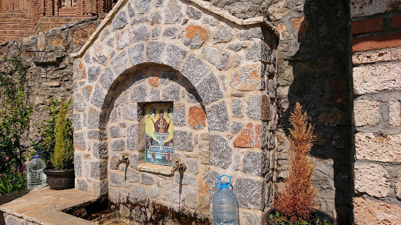 北マケドニアのオフリドで聖ヨハネ・カネオ教会に到着3