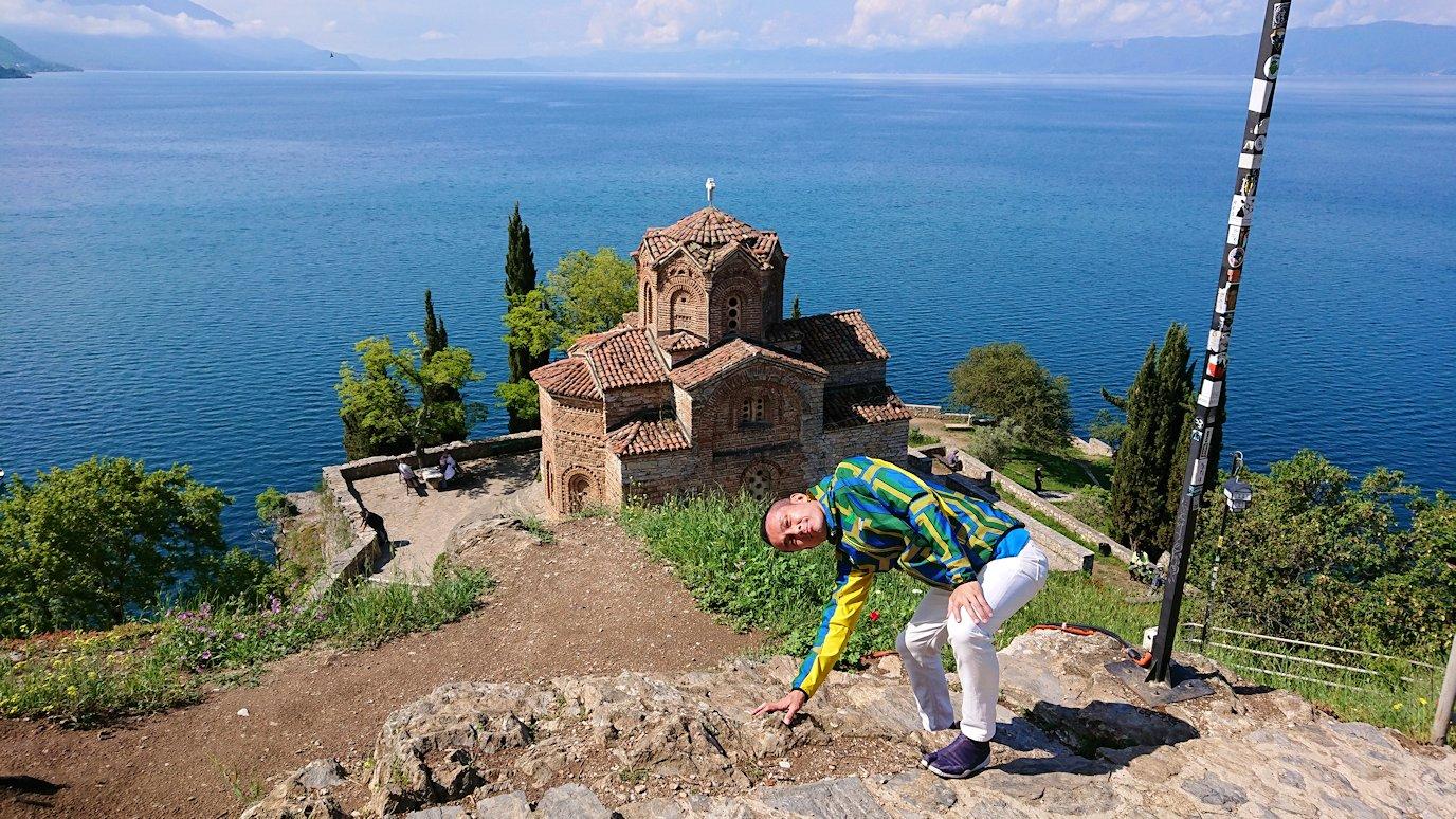 北マケドニアのオフリドで聖ヨハネ・カネオ教会付近で記念撮影2