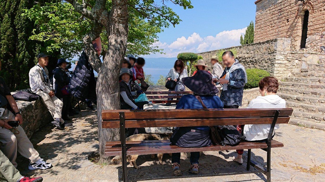 北マケドニアのオフリドで聖ヨハネ・カネオ教会からまた歩いていく2