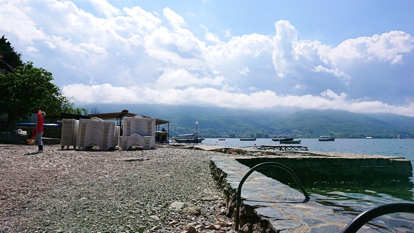 北マケドニアのオフリドで聖ヨハネ・カネオ教会からまた歩いていく8