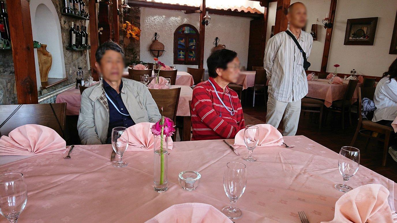 北マケドニアのオフリドのレストランにて3