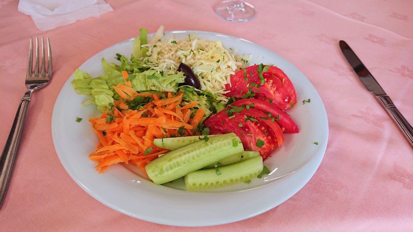 北マケドニアのオフリドのレストランにて6