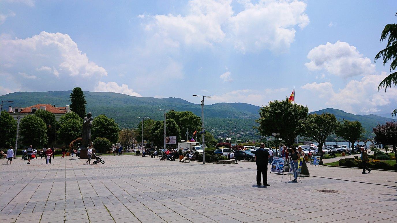 北マケドニアのオフリドで中心街を歩く4