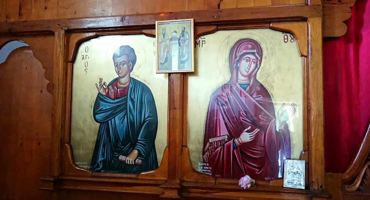 アルバニアで世界遺産のベラトの街でゴリツァ地区にある聖トマス教会を訪問