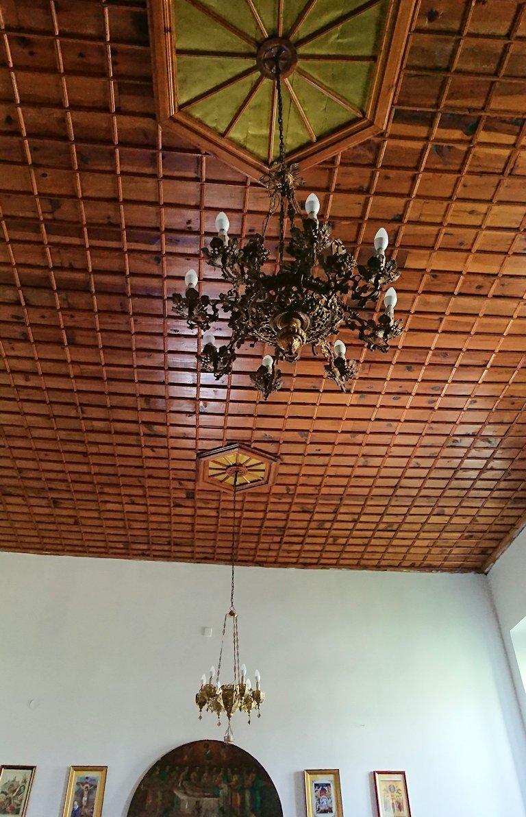 アルバニアで世界遺産のベラトの街でゴリツァ地区にある聖トマス教会を訪問6