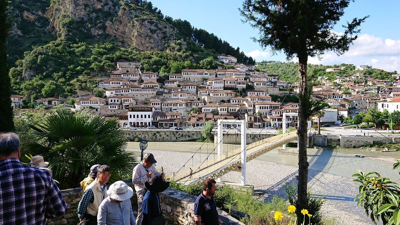 アルバニアで世界遺産のベラトの街でゴリツァ地区にある聖トマス教会を訪問9