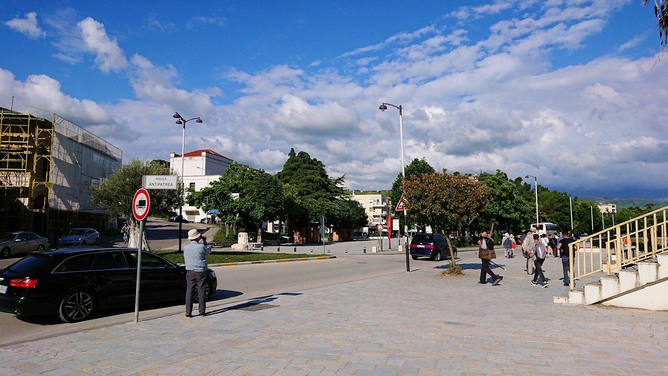 アルバニアで世界遺産のベラトの街を見学し、ティラナへ向かいます3