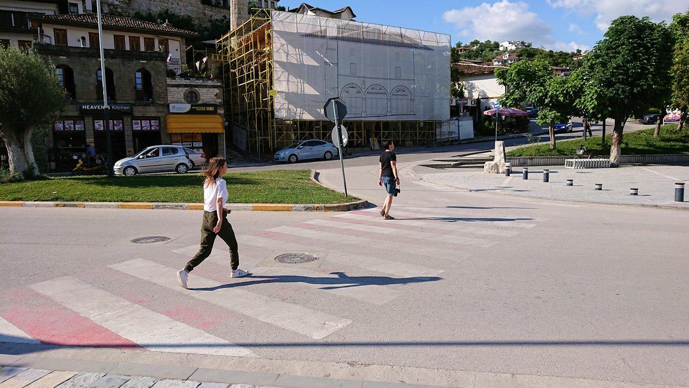 アルバニアで世界遺産のベラトの街を見学し、ティラナへ向かいます4