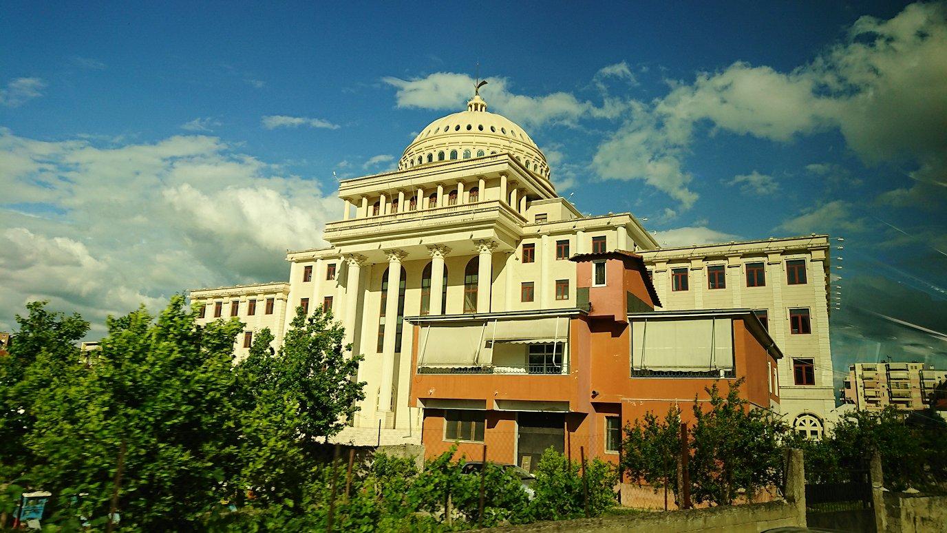 アルバニアで世界遺産のベラトの街を見学し、ティラナへ向かいます5