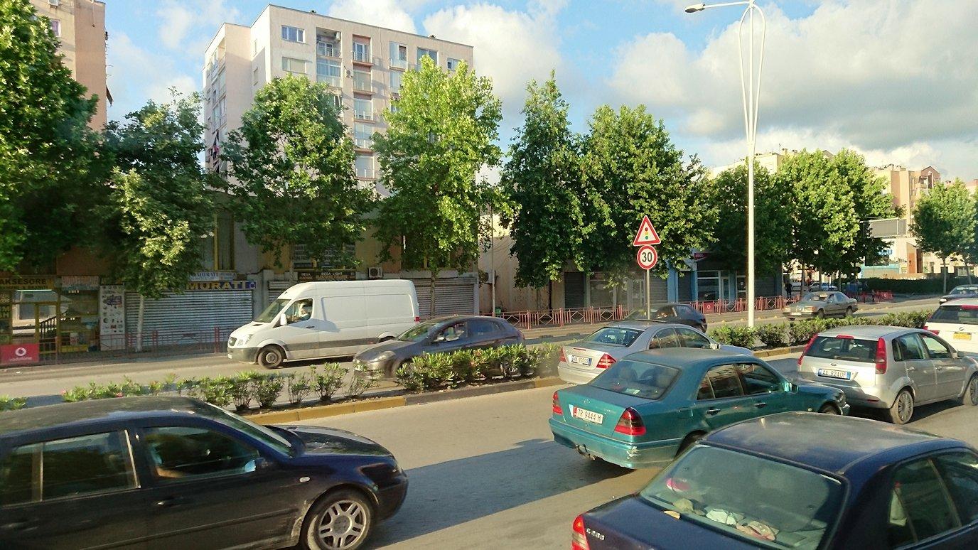 アルバニアで世界遺産のベラトからティラナへバスで移動2