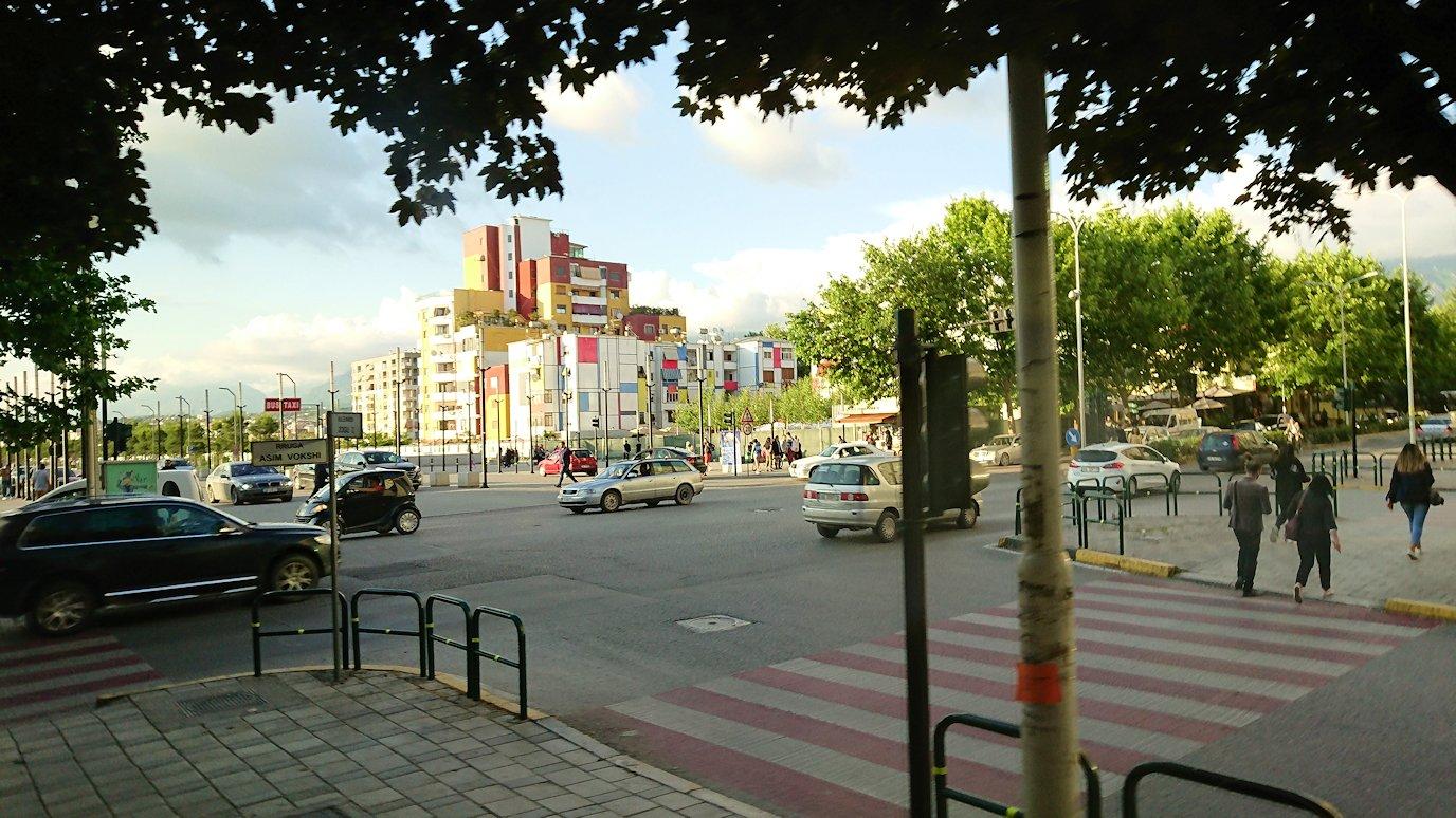 アルバニアで世界遺産のベラトからティラナへバスで移動8