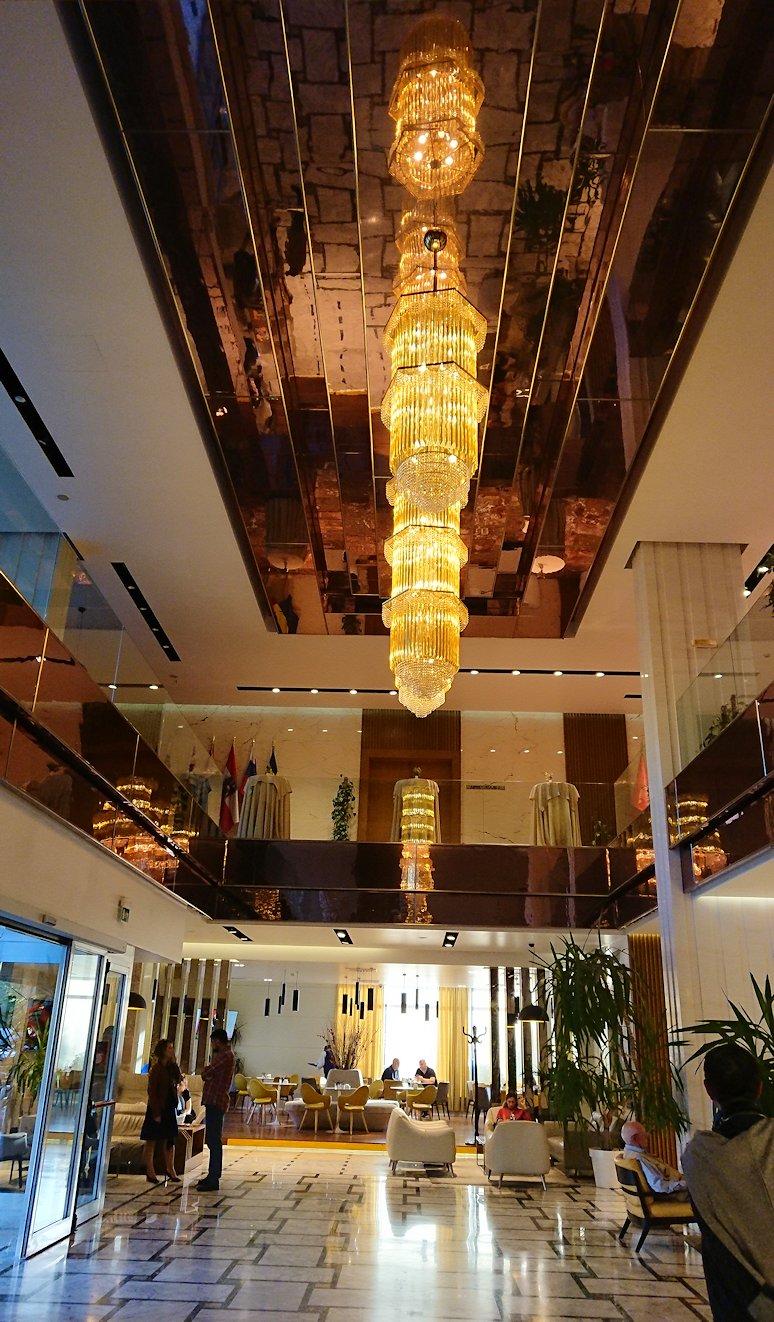 アルバニアで首都ティラナのホテル・インターナショナルにチェックイン5