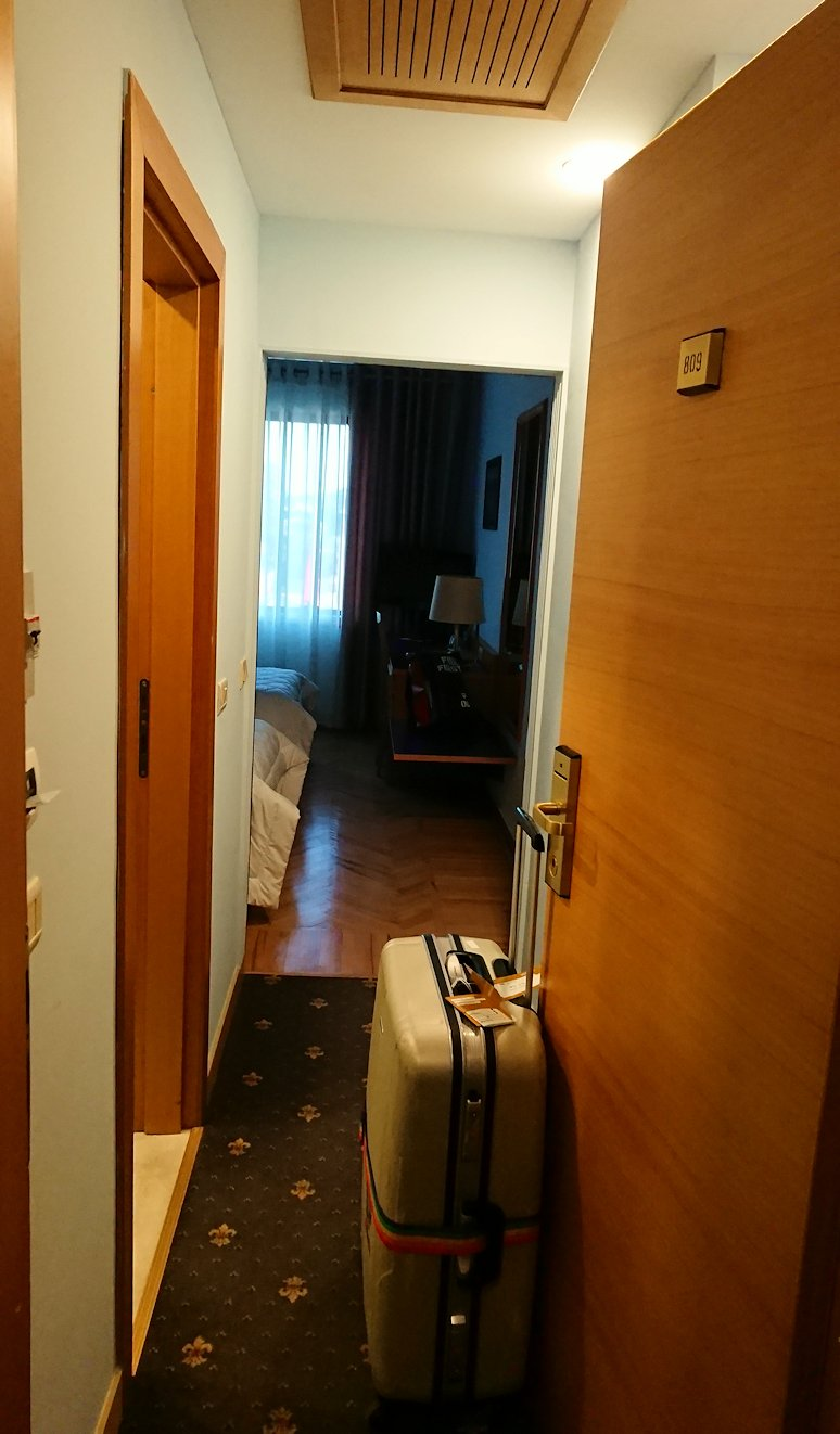 アルバニアで首都ティラナのホテル・インターナショナルの部屋の様子は??