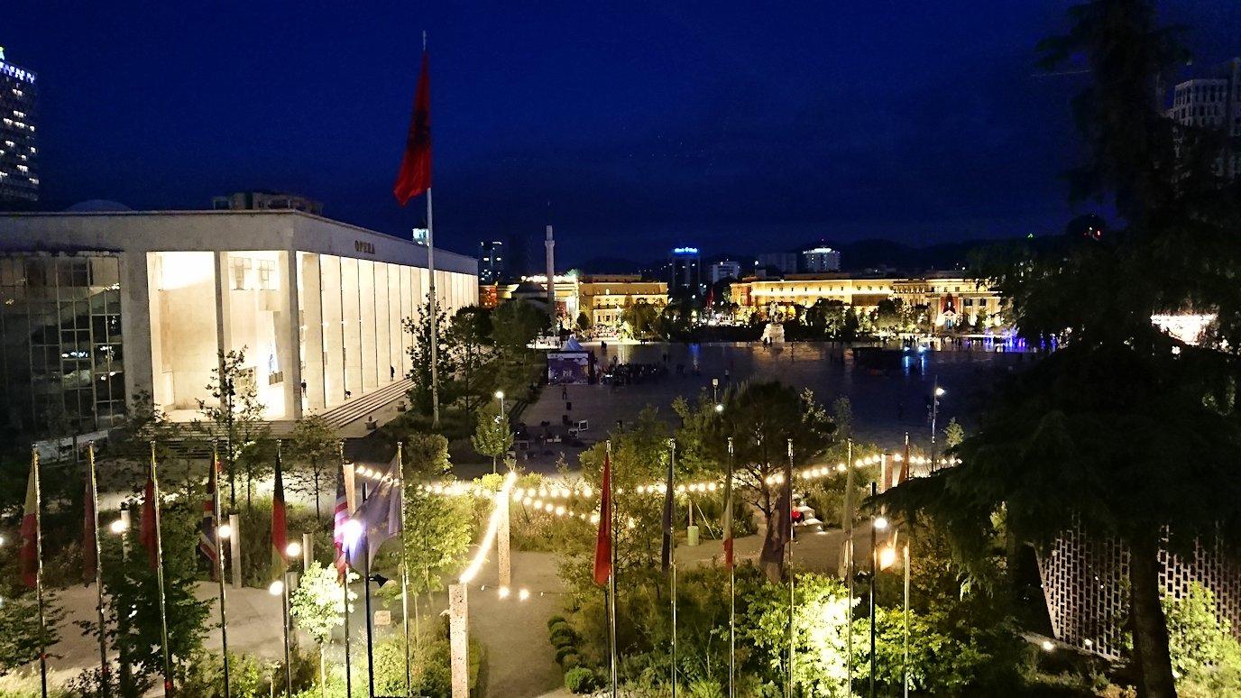 アルバニアで首都ティラナのホテル・インターナショナルで夕食を美味しくいただくのであった7