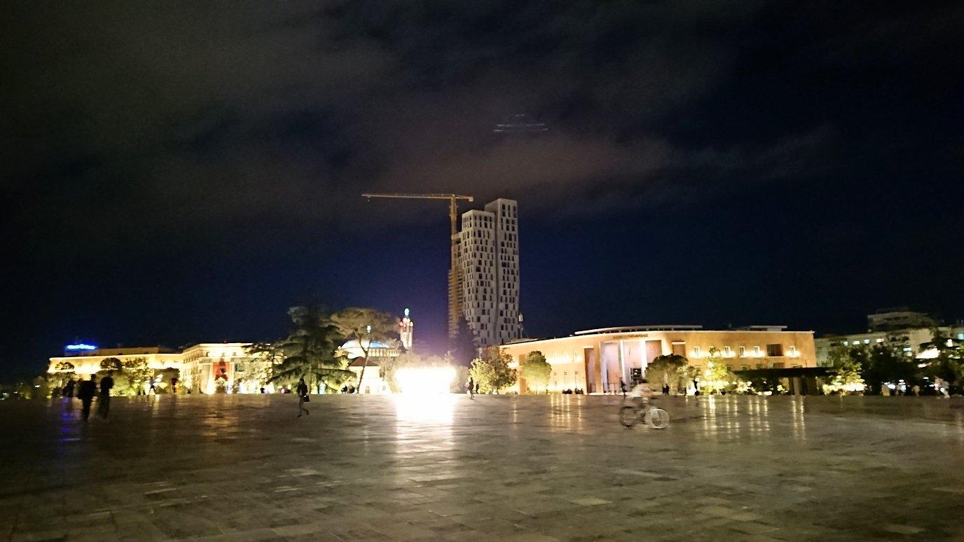 アルバニアで首都ティラナのホテル・インターナショナルで夕食を美味しくいただくのであった4