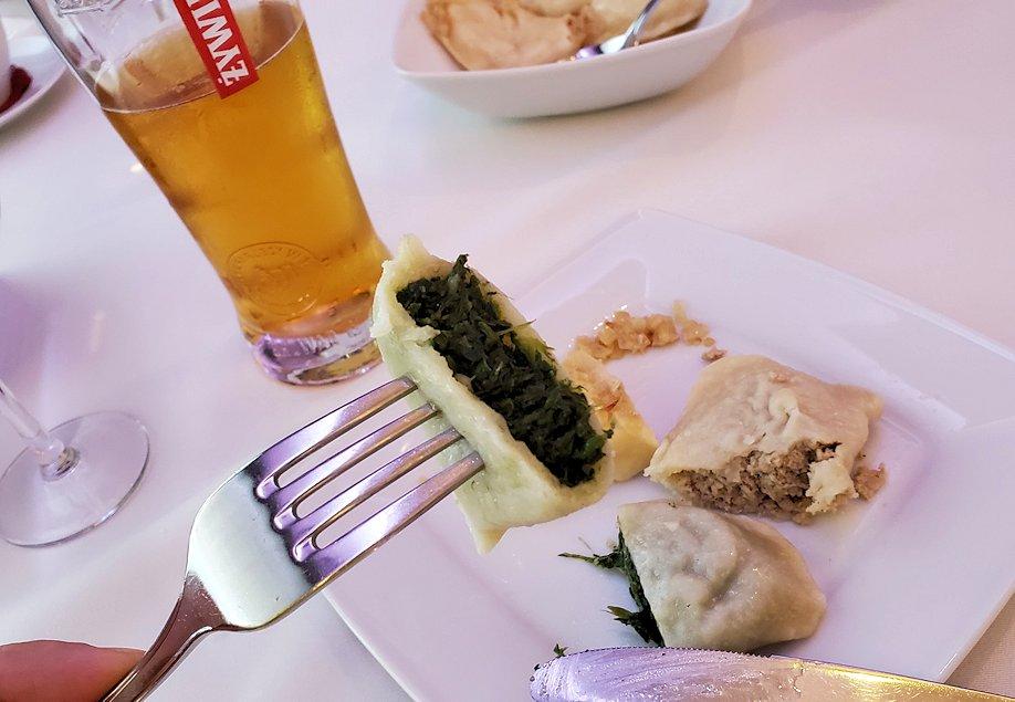 ポーランドの人気料理ピエロギで餅みたいな味