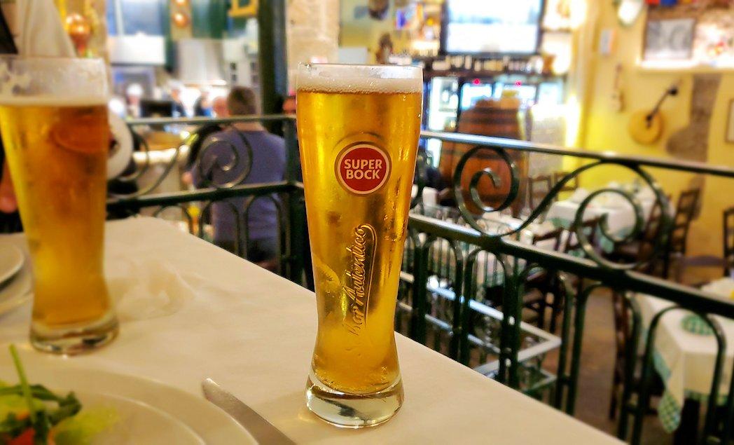 ポルトの街のレストランで飲んだ、ポルトガルでも人気の国産ビール『Super Bock』