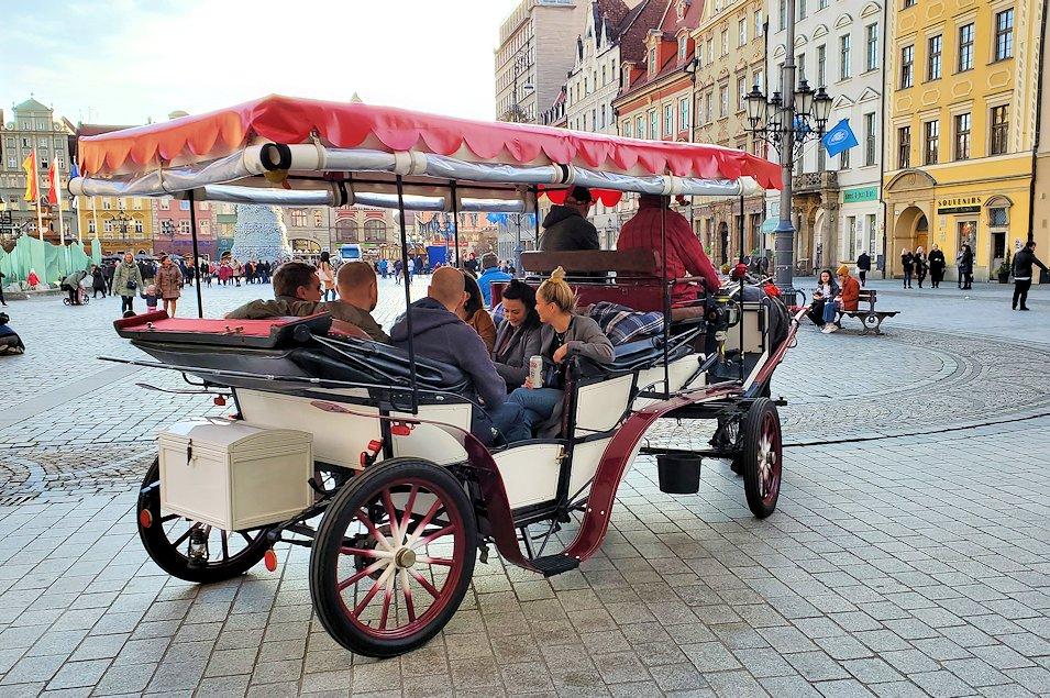 ヴロツワフを走る馬車