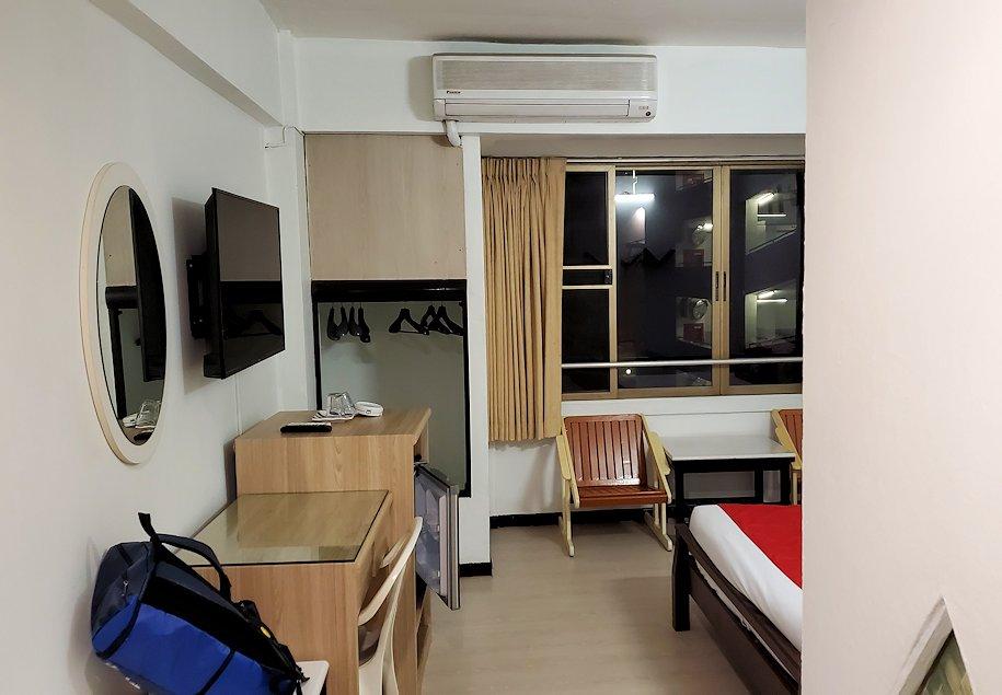 「OYO 299 クラウン Bts ナナ ホテル」の部屋