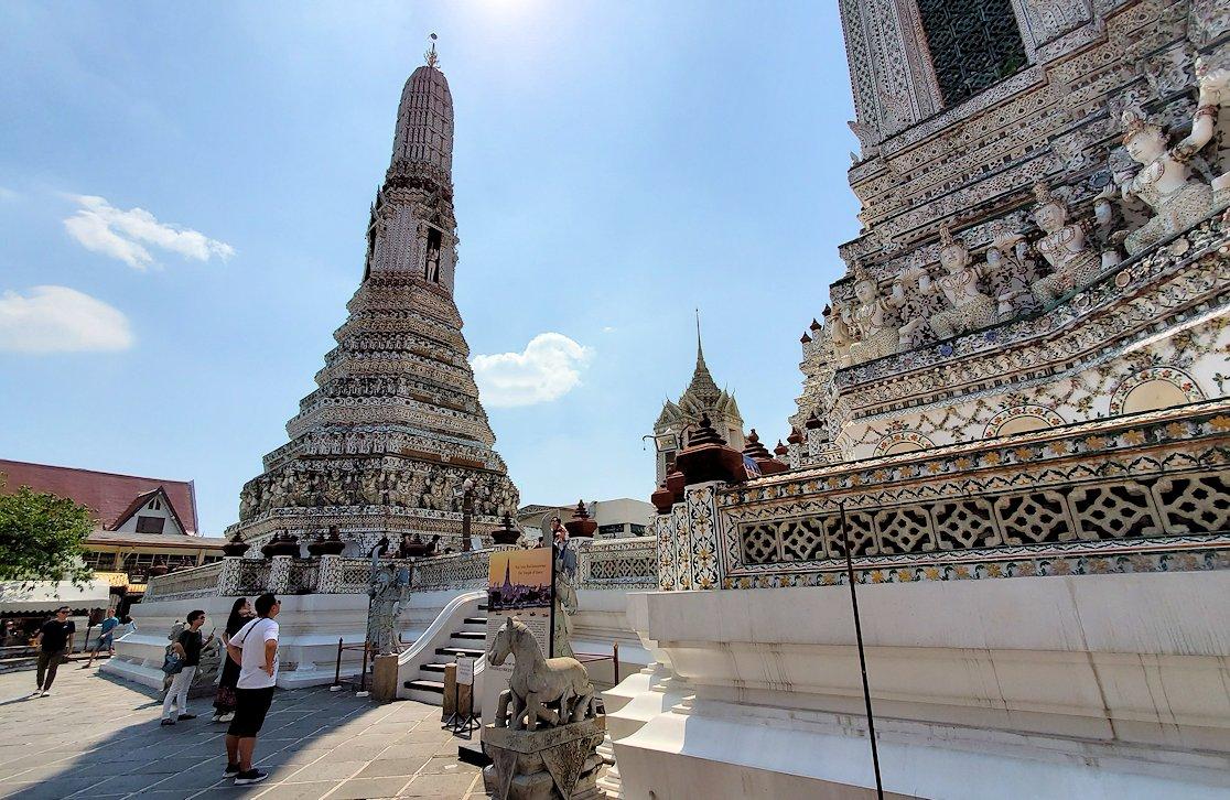 バンコク市内にあるワット・アルン寺院の景色