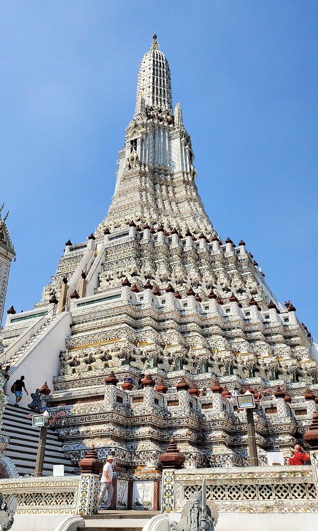 バンコク市内にあるワット・アルン寺院にあった塔