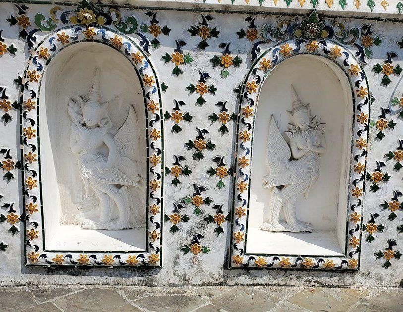 バンコク市内にあるワット・アルン寺院にあった『ラーマキエン』(Ramakien)という民族叙事詩の像